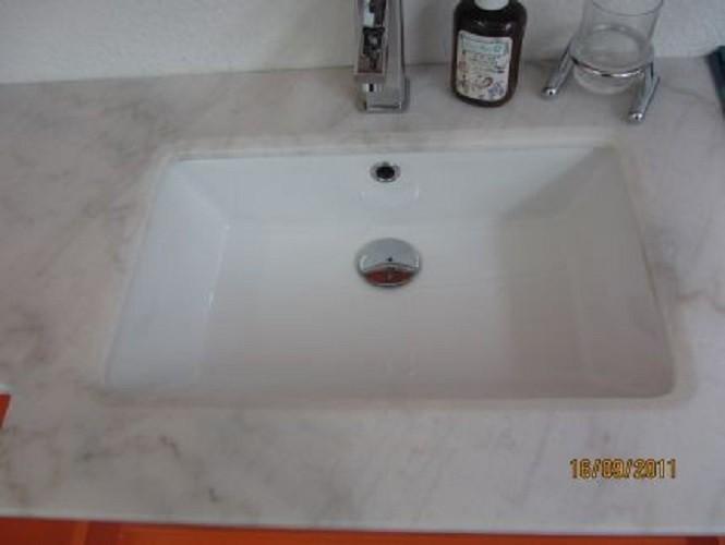 badm belset waschbecken badezimmerm bel spiegel unterschrank inkl 2xseitenschrank restposten. Black Bedroom Furniture Sets. Home Design Ideas